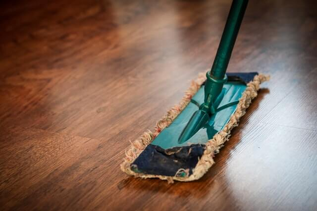 4 Critical Questions You Must Ask Before Hiring Maid Cleaning Services